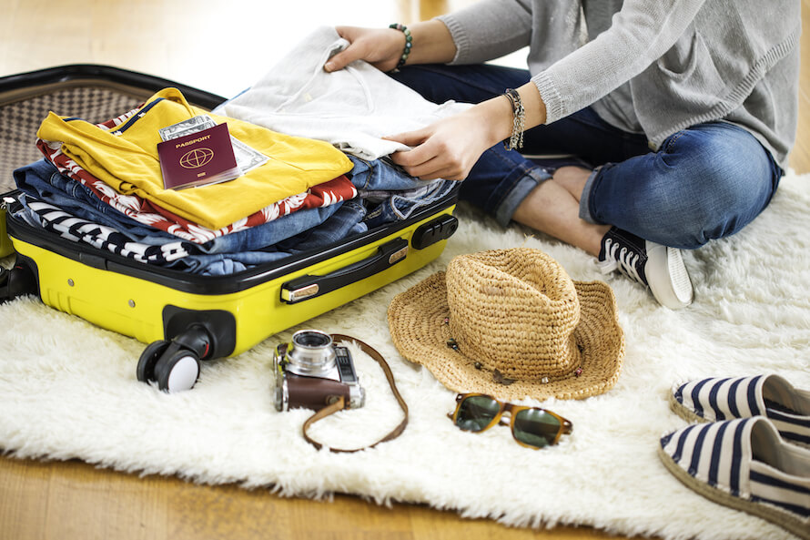 Preparation travel suitcase at home - Japan Guide