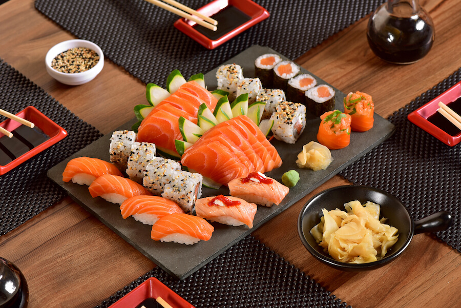 sushi platter - 10 Food you need to try in Japan