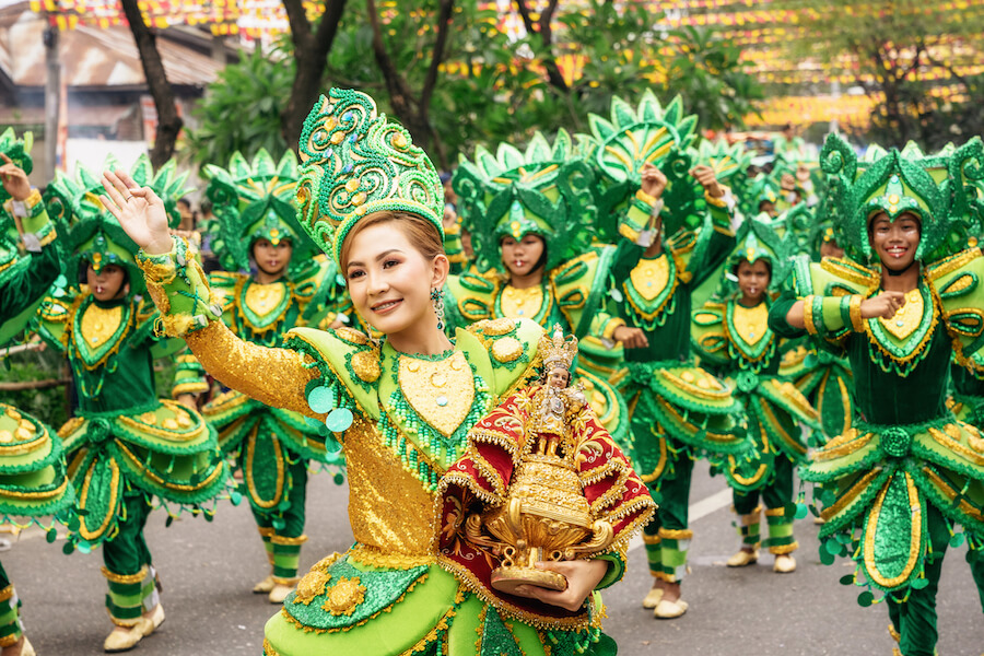 Participate in the parade at the Sinulog Festival - Best places to visit each month of the year