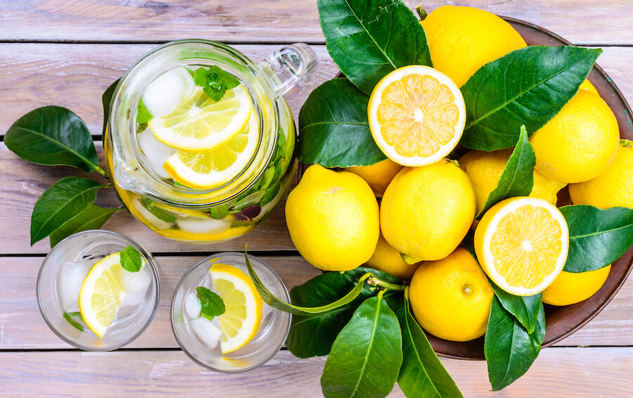 Lemon infused water - foods that burn belly fat