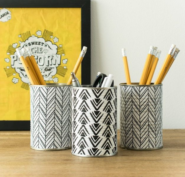DIY tin can pencil holder - organize with recyclable items